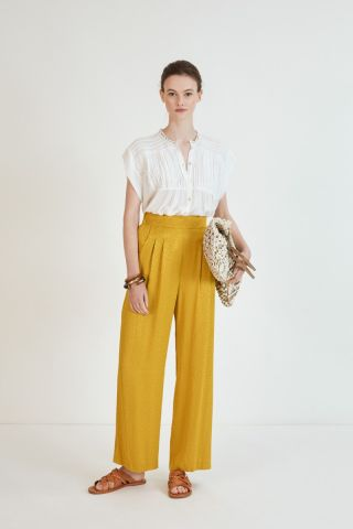Pantalon trousers in a high rise