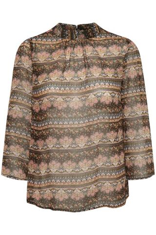 Babette blouse in a paisley print