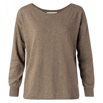 Boat neck sweater in a cashmere blend