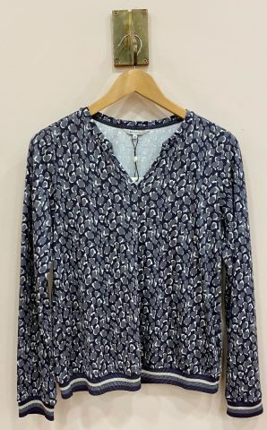 All over print top with ribbed trim