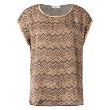 Satin t-shirt in a chevron print